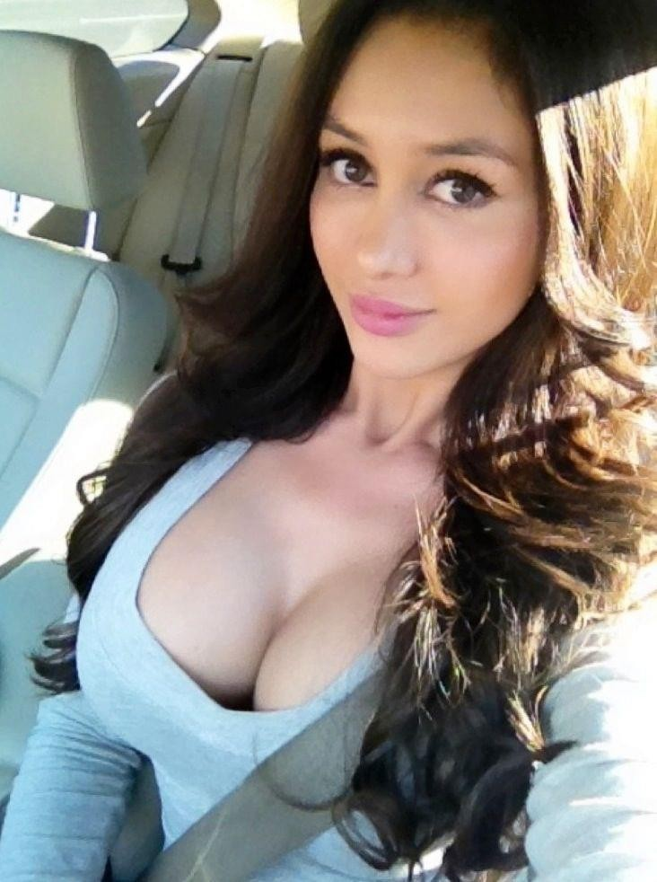 Can not Hot girl cleavage selfie
