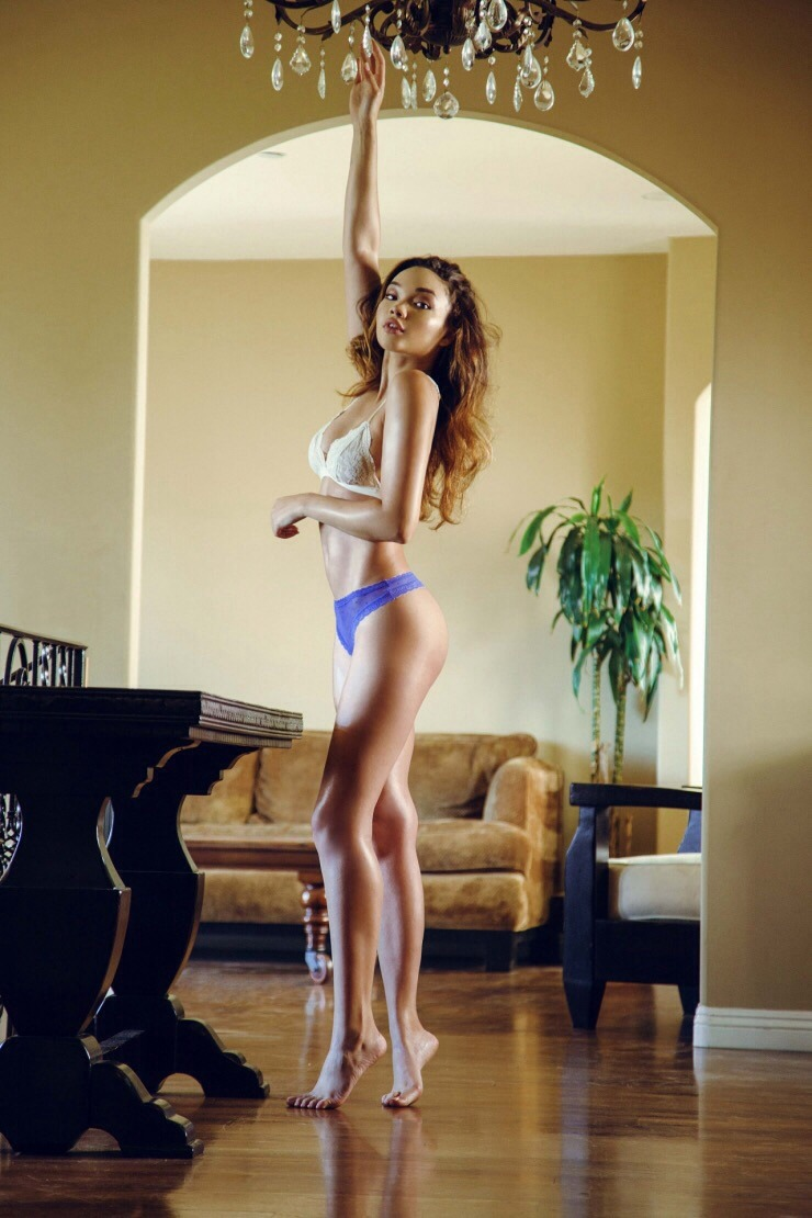 Ashley Moore [Photoshoots HD]